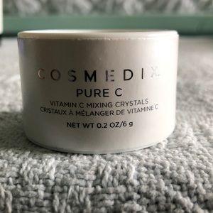 Vitamin c mixing crystals